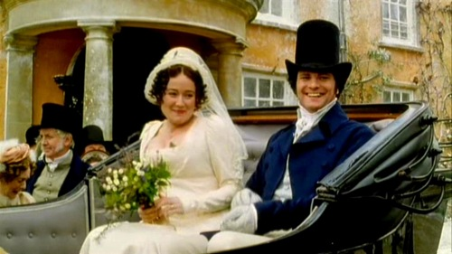screencap from Pride and Prejudice (1995) showing Firth & Ehle leaving Longbourne in a coach